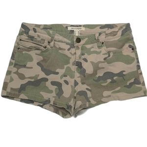 Forever 21 Life in Pieces Camouflage Shorts Camo